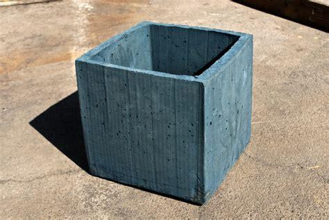 Cement Planter Box by Diy Concrete Planter Box Do It Yourself