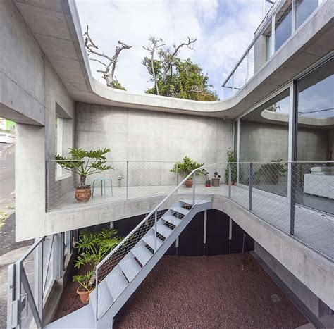 homes with interior courtyards concrete home with interior courtyard g house by esa 250 acosta homesthetics inspiring ideas