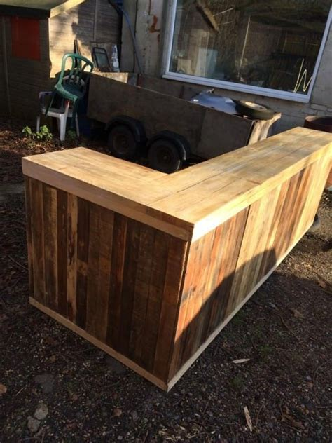 How To Build A Wood Bar Top Counter Best 25 Pallet Counter Ideas On Pallet Bar
