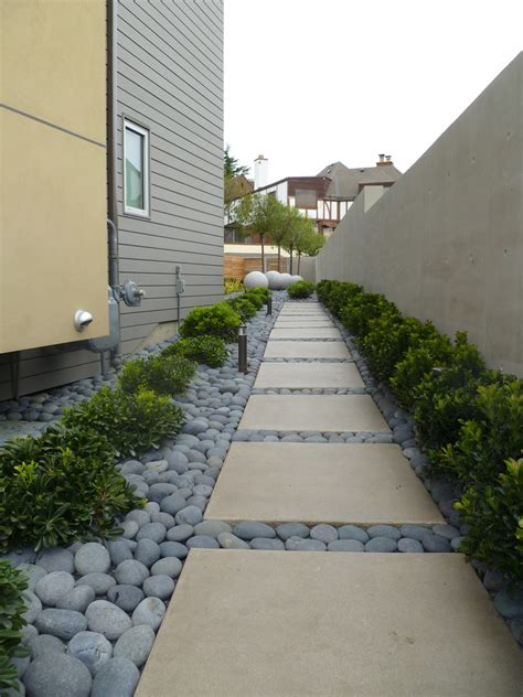 natural stone yard and landscape rocks 550 house