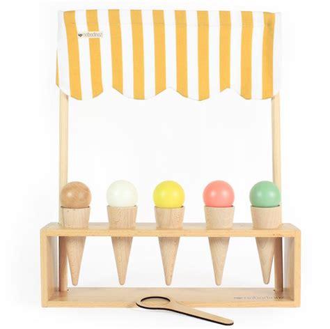 casas de madera de juguetes para ni os los mejores juguetes de madera para ni 241 os
