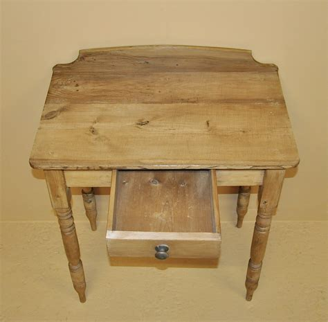 Pine Side Table Small Pine Side Table Q3192 Antiques Atlas