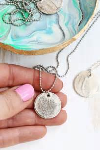 make fingerprint jewelry 25 best ideas about thumbprint pendant on