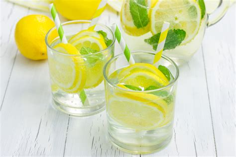 Lemon Detox Water Side Effects by Lemon Water Before Bed Has Benefits Side Effects