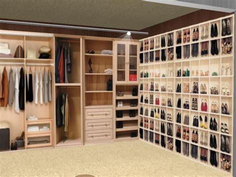 10x10 Kitchen Designs With Island by Walk In Women S Dressing Rooms Have A Nicely Organized