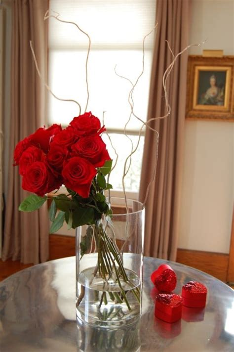 What Makes Roses Last Longer In A Vase by How To Arrange 1 Dozen Roses The Of Doing Stuffthe