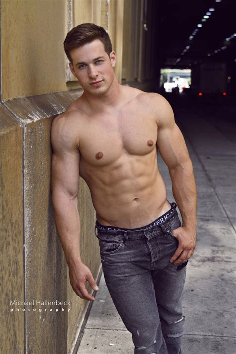 tyson beckford sixpack selfie show auf instagram nick sandell is the sexiest alive a michael hallenbeck
