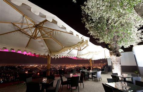 terrazza calabritto 6 ristoranti con terrazza a napoli con panorami mozzafiato