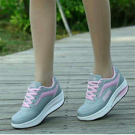 Sepatu Kets jual dhpd133 sepatu ankle boots sneaker wedges kets wanita