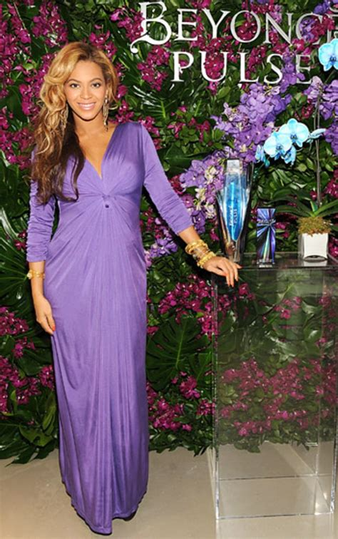 Beyonce And Christie Brinkley In Catherine Malandrino by Purple Beyonce S Baby Bump Style Us Weekly
