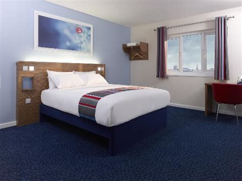 rooms in egham room picture of travelodge egham egham tripadvisor
