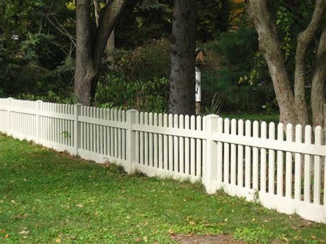 picket fence vinyl fence in over a dozen picket styles