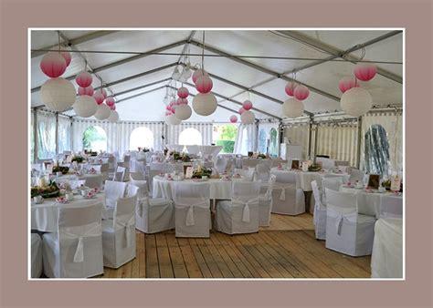 hochzeitsdeko im zelt mit rosa akzenten nadja - Hochzeitsdeko Zelt