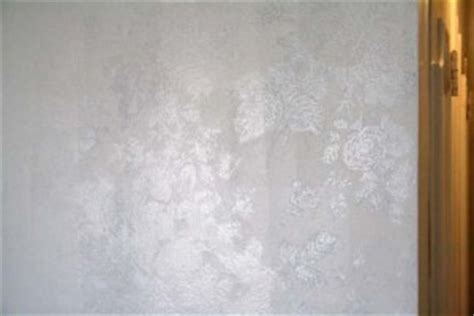 what kind of wallpaper to use in a bathroom download what kind of paint to use over wallpaper gallery