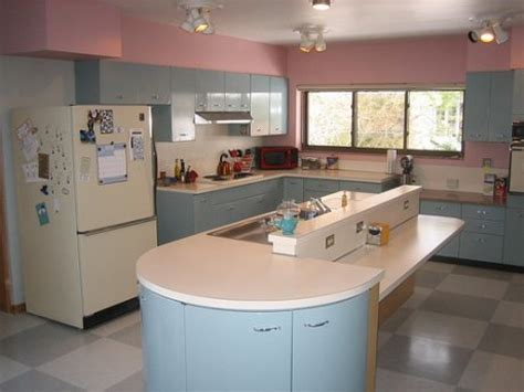 Geneva Metal Kitchen Cabinets Ruth S Blue Geneva Kitchen And Pink Bathrooms And More Retro Renovation