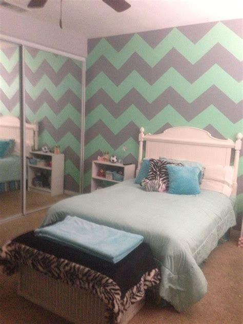 chevron bedrooms mint green gray chevron walls new room pinterest