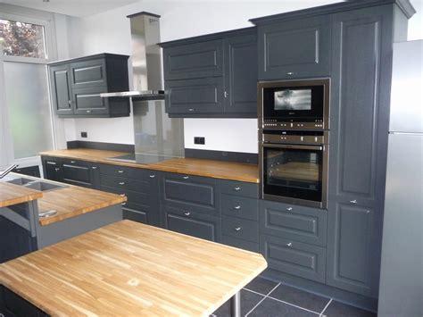 cuisine a peindre repeindre cuisine en bois avec meuble de cuisine brut