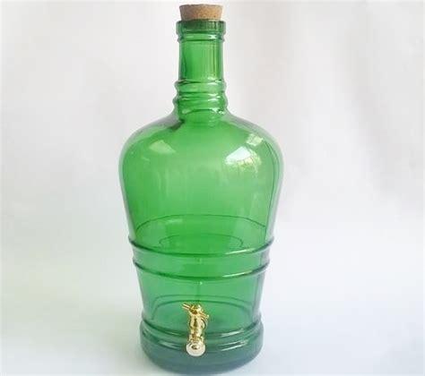 bottiglia con rubinetto bottiglia con rubinetto