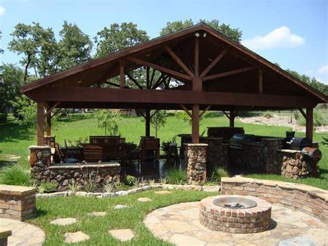 outdoor living area outdoor living area
