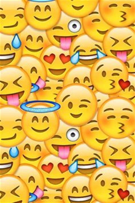 Emoji Wallpaper For House | visage souriant avec des yeux en forme de coeur emoji