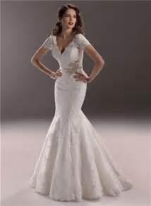 elegant mermaid v neck backless vintage lace wedding dress