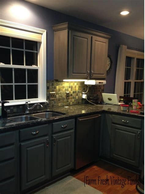 annie sloan kitchen cabinets want to learn how to paint thermofoil cabinets with chalk
