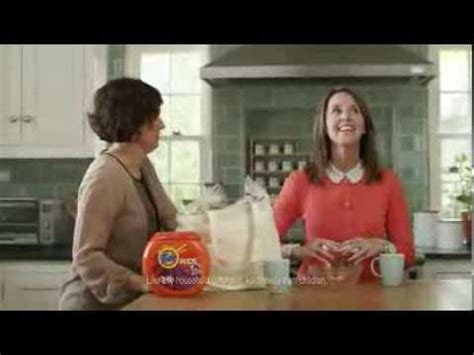who is the waitress in the tide pods commercial waitress tide pods tide versi on the spot