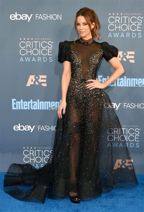 Critics Choice Awards Snow by Kate Beckinsale 2016 Critics Choice Awards In Santa