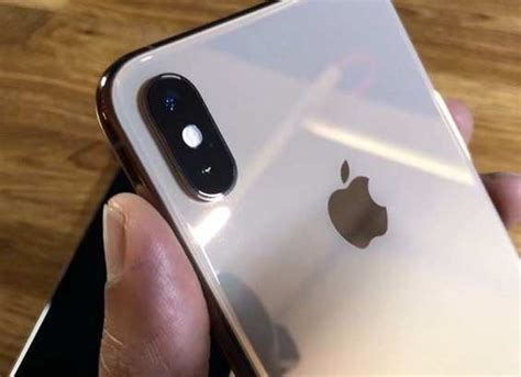 iphone xs xs max review  times faster upgraded camera