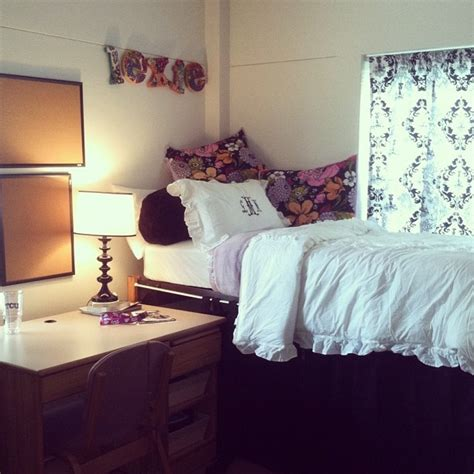 365 best images about girly rooms on pinterest loft beds girly dorm room dorm sweet dorm pinterest cute dorm