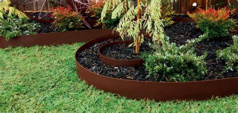 Garden Edging Ideas Cheap Simple Garden Edging Ideas