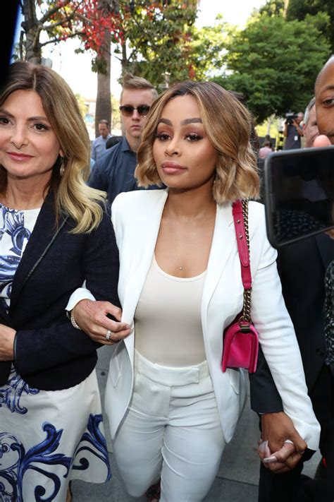 lisa bloom wigs the internet is mocking blac chyna for wearing a court