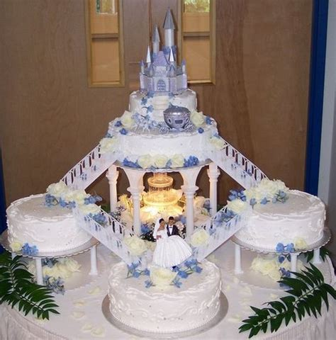 Wedding Cakes With Stairs by 25 Best Ideas About Wedding Cakes On