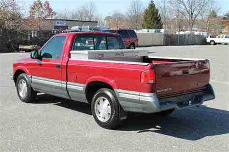 online car repair manuals free 1994 gmc sonoma interior lighting service manual 1994 gmc sonoma door removal find used 1994 gmc sonoma pickup 2 door 2 2l in