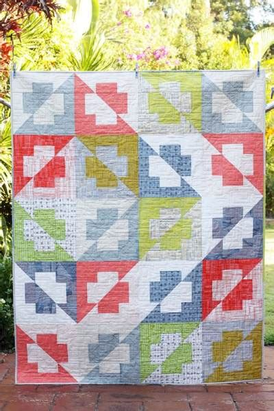 Quilts With A Twist by Plus Side Quilt With A Twist Bonjour Quilts