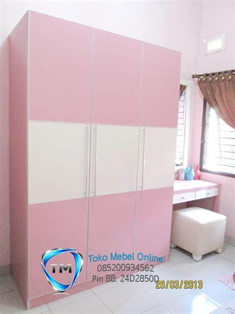 Lemari Pakaian Warna Pink lemari pakaian minimalis duco lemari pintu 3 pink jual toko mebel mebel jepara