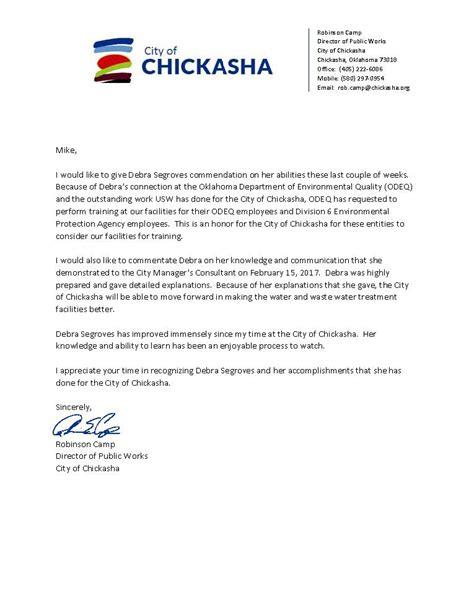 city of chickasha oklahoma presents letter of commendation to usw employee debra segroves usws
