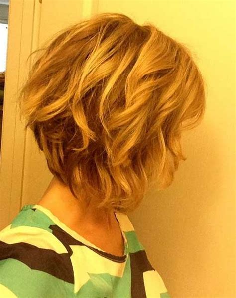 medium lenght inverted hair 25 short medium length haircuts short hairstyles 2017