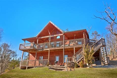 Secluded Pigeon Forge Cabin Rentals cabin in wears valley vacation rental near pigeon forge
