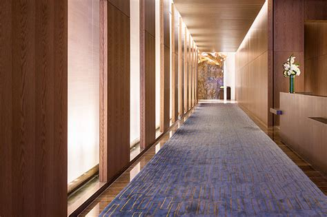 madison waterwall design  york lobby delta