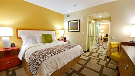 hotels with 2 bedrooms embassy suites by hilton two room suite hotels