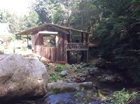 photo8 jpg picture of serenity falls cabins cosby