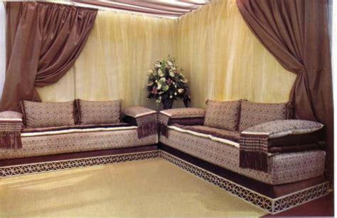 canapé bois decoration bois salon marocain