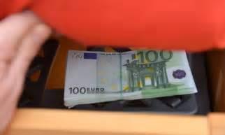 kuriose verstecke wo das geld zu hause sicher ist - Geldverstecke Im Haus