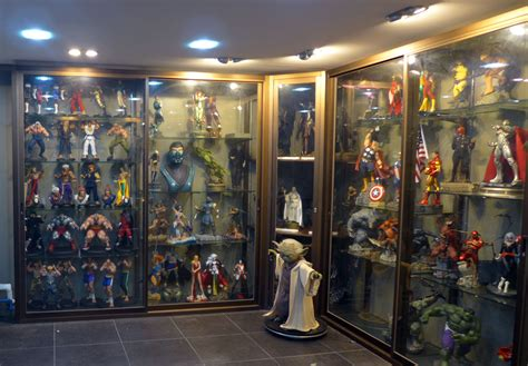 figure collectors featured collector saymour g sideshow collectibles