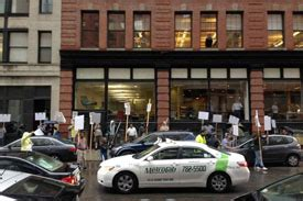 Uber Boston Office Phone Number by Boston Cab Union Protests Uber Boston Office Spaces