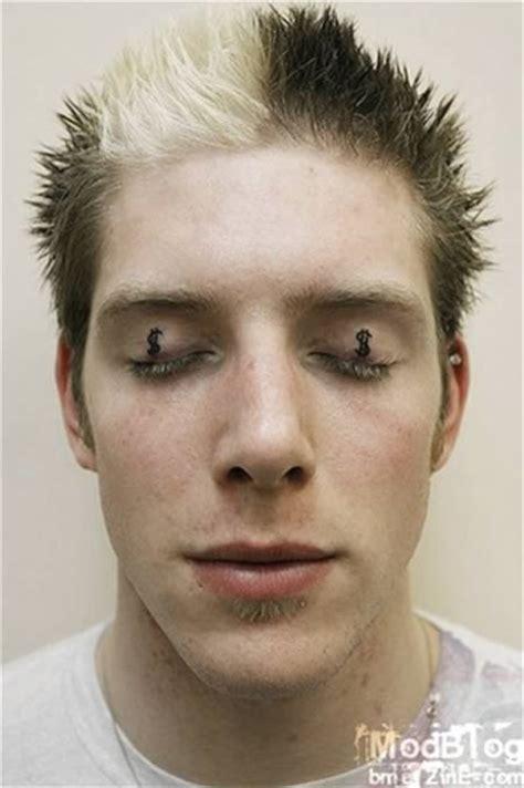 tato kartun seram gokil 10 orang ini bubuhkan tato di kelopak mata serba