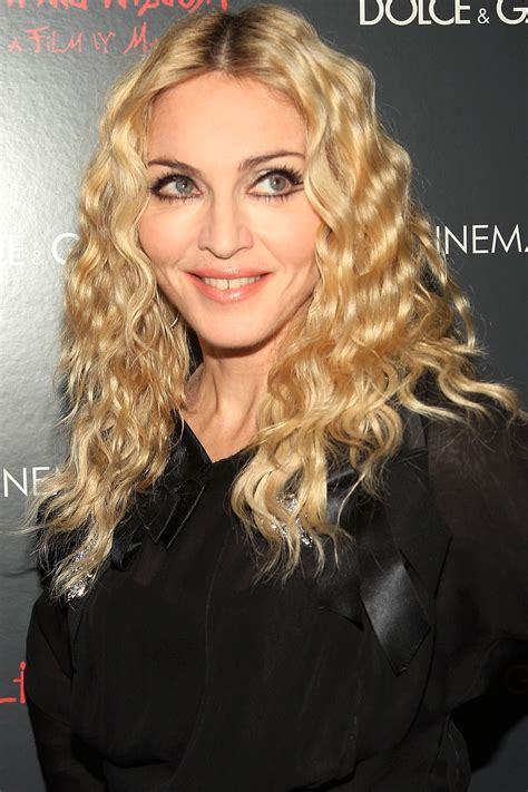 celebrity with blonde curly hair celebrity flirty curly hairstyles hairstyles 2017 hair