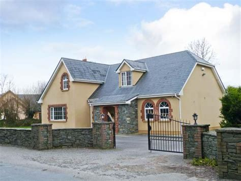 fernwood pet friendly cottage in killarney selfcatering