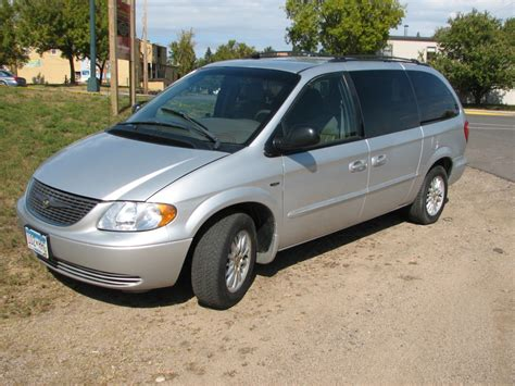 Chrysler Town And Country 2002 by 2002 Chrysler Town And Country Photos Informations